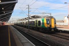 350111 (matty10120) Tags: class railway rail train travel nuneaton 350