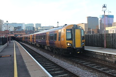 172338 (matty10120) Tags: class railway rail train travel birmingham moor street 172