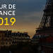 Nahaufnahme des Pariser Eiffelturms in der französischen Stadt und der Bildaufschrift