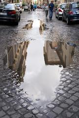 Rom, Via Giulia nach dem Regen (after the rain) (HEN-Magonza) Tags: italien italy rome roma italia rom viagiulia regenpfütze rain´puddle rioneregola