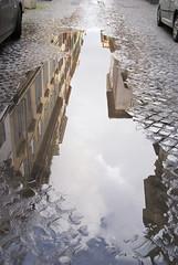 Rom, Via Giulia nach dem Regen (after the rain) (HEN-Magonza) Tags: rom roma rome italien italy italia viagiulia regenpütze rainpuddle rioneregola