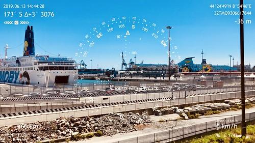 Étape 43 -  Arenzano - Genova - Boussole pointant vers la ville de Sousse, vis-à-vis de l'atelier de Ridha Dhib