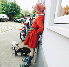 Me and my cats (erlingraahede) Tags: summer vsco canon streetphotography sweetie cats girl germany lübeck