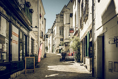 Loches 2019 (EBoss Fotografie) Tags: loches indreetloire frankrijk france streetview colors town architecture street shops tourism travel canon soe twop supershot europe