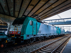 LINΞΛS 2829 & 2832 met staaltrein @ Kiewit (Avinash Chotkan) Tags: lineas hle28 bombardier traxx traction trains belgium cargo tunnel xpedys
