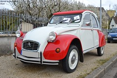 Citroën 2cv (Monde-Auto Passion Photos) Tags: voiture vehicule auto automobile citroën 2cv deuche deudeuche ancienne classique collection bicolore rassemblement france courtenay