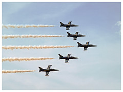 Breitling Jet Team 2017 (Aerofossile2012) Tags: apacheaviation breitlingjetteam jet l39 albatros aérovodochody avion aircraft patrouille aviation meeting airshow meaux esbly 2018