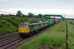 86638 86605 4M42 Acton Bridge (cmc_1987) Tags: 86638 br class86 britishrail freightliner geneseewyoming actonbridge acelectric cheshire doubleheader railfreight 4m42 felixstowe ipswich crewebasfordhall garstonflt containers 86605 al6