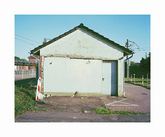 ** (ha*voc) Tags: mamiya7ii 65mm 6x7 120 mediumformat film rangefinder kodakektar100 germany dinslaken urban silence empty mundane