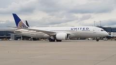 N27908 | United Airlines | Boeing 787-8 (geoff487) Tags: unitedairlines united ual ua n27908 dreamliner boeing787 boeing7878 boeing londonheathrowairportlhr egll