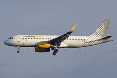 EC-MER (afellows80) Tags: airbus a320 vueling egss stn stansted ecmer