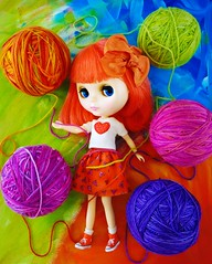 Have a Ball (Leslieshappyheart) Tags: simplybubbleboom blythedoll ball yarn blythehappyoutfit