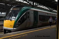 22037 at Heuston, 9/6/19 (hurricanemk1c) Tags: railways railway train trains irish rail irishrail iarnród éireann iarnródéireann dublin heuston 2019 22000 rotem icr rok 5pce premierclass 22037 1905heustontralee