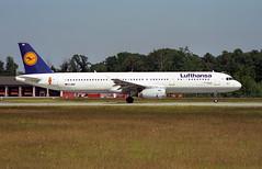 D-AIRY - Frankfurt am Main (FRA) 08.06.2000 (Jakob_DK) Tags: a321 a321131 airbus airbusa321 a321100 airbusa321131 eddf fra flughafenfrankfurtammain frankfurtairport dlh lufthansa 2000 dairy