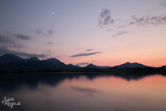 Greenhouse gasses are invisible to our eyes (judithrouge) Tags: summer sommer lake see sonnenuntergang sundown red blue rot blau still ruhig quiet peaceful friedlich moon mond wolken clouds atmosphere atmosphäre evening abend abendlicht eveninglight water wasser heat hitze