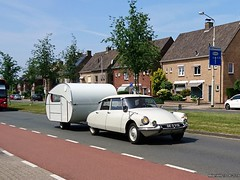 Citroën ID19 1964 (DE-33-52) and Wawa caravan (MilanWH) Tags: citroën id19 1964 ds id white blanc camping driving de3352 wawa caravan