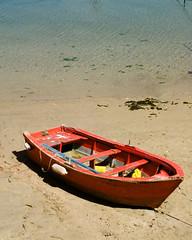 000152740038.jpg (stevebanfield) Tags: caminodesantiago beach nikonfm2 spain sand nikon scan film gold200 shotonfilmstore boat finisterre iso200 fm2 kodak