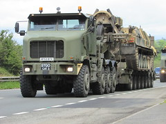 Heavy Haulage. (Andrew 2.8i) Tags: truck lorry military american road haulage spot spotting truckspotting lorryspotting transport heavy tank f 1070 1070f het oshkosh transporter army