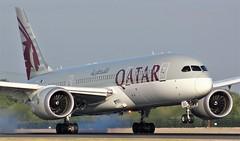 A7-BDC (AnDyMHoLdEn) Tags: qatar 787 dreamliner oneworld egcc airport manchester manchesterairport 05r