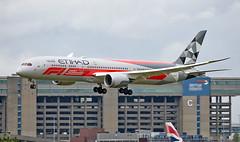 A6-BLV - Boeing 787-9 Dreamliner - LHR (Seán Noel O'Connell) Tags: etihadairways etihad a6blv boeing 7879 dreamliner b787 b789 787 heathrowairport heathrow 27l ey25 etd25 abudhabif1grandprix aviation avgeek aviationphotography planespotting