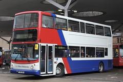 Travel West Midlands Returns... (Ben Cavers) Tags: nationalexpresswestmidlands travelwestmidlands alexanderalx400 walteralexandercoachbuilders alx400 y716toh walsallbusstation nxwm twm nxwm4125
