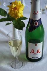 M&M Sekt (multipel_bleiben) Tags: essen sekt alkoholika zugastbeifreunden