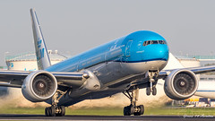 KLM B7 (Ramon Kok) Tags: 777 777300er 77w ams avgeek avporn aircraft airline airlines airplane airport airways amsterdam amsterdamairportschiphol aviation blue boeing boeing777 boeing777300er eham holland kl klm koninklijkeluchtvaartmaatschappij phbvn royaldutchairlines schiphol schipholairport thenetherlands