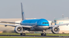 KLM B7 (Ramon Kok) Tags: 777 777200er 77e ams avgeek avporn aircraft airline airlines airplane airport airways amsterdam amsterdamairportschiphol aviation blue boeing boeing777 boeing777200er eham holland kl klm koninklijkeluchtvaartmaatschappij phbqm royaldutchairlines schiphol schipholairport thenetherlands
