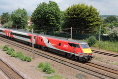 20190611 035 Oakleigh Park. BR Mark 4 DVT 82217 Delayed 1A20 09.45 Leeds - King's Cross (15038) Tags: railways trains br britishrail mark4 carriage dvt oakleighpark 82217