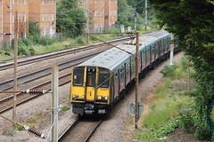 20190611 012 Oakleigh Park. 313057 And 313036 2K64 11.28 Welwyn Garden City - Moorgate (15038) Tags: railways trains br britishrail electric emu class313 oakleighpark 313057