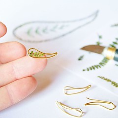 Resin jewelry plant & flower (Chlorophyll Jewelry) Tags: chlorophylljewelry plant jewelry chlorophyll etsy artist shop handmade necklace bracelet ring earrings dandelion nature forest natural diy minimalist