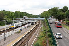 20190611 027 Oakleigh Park. 700152 9J27 1.54 Peterborough - Horsham. Uno 604 YY15 NKE Enviro200 (15038) Tags: railways trains br britishrail electric emu desirocity class700 oakleighpark 700152 buses lt londontransport enviro200 604 yy15nke