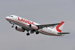 LaudaMotion Airbus A320-232 OE-IHD (EK056) Tags: laudamotion airbus a320232 oeihd düsseldorf airport