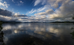 Loch Lomond 2a (Bilderschreiber) Tags: loch lomond scotland schottland lake see reflexion spiegelung abend evening clouds wolken