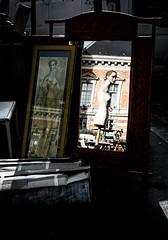Puppe (Michael-Prietz) Tags: spiegelung schaufensterpuppe paris spiegel flohmarkt fleamarket