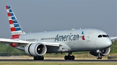 N806AA (AnDyMHoLdEn) Tags: americanairlines 787 dreamliner oneworld egcc airport manchester manchesterairport 05r