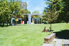 Le Corbusier Pavillion in Zürich (titan3025) Tags: leica leicam6 m6 summicron 35mm kodak ultramax 400 zürich 2019