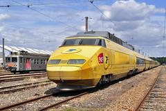 ... à Versailles-Matelots (Alexoum) Tags: sncf tgv poste z5300 versailles fin rail train