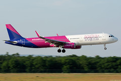 HA-LTB (Andras Regos) Tags: aviation aircraft plane fly airport bud lhbp spotter spotting landing wizz wizzair airbus a321 panning