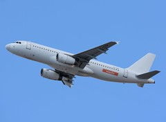 YL-LCP EasyJet - SmartLynx Airlines (Gerry Hill) Tags: