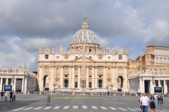 St. Peter's Basilica & Square (Ryan Hadley) Tags: stpeters stpetersbasilica cathedral basilica church dome architecture renaissance stpeterssquare piazzasanpietro piazza square obelisk baroque vatican vaticancity rome italy europe worldheritagesite pope popefrancis