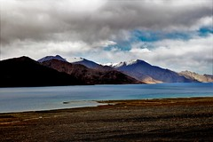 Pangong...A distant view.. (Bodhisotto) Tags: ladakh nature lakes beautifulladakh pangongtso pangong no crowd mountains freedom clean canon80d lakesofladakh ilovephotography wideangle sunrise