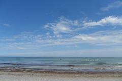 Die Ostsee lädt zum Baden ein... (Carl-Ernst Stahnke) Tags: prerow ostsee strand weite wolken himmel erholung muscheln dars