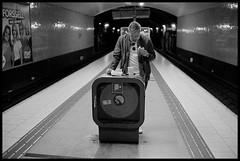 Late night snack (Micke Borg) Tags: stockholm sweden sverige söder södermalm medborgarplatsen tunnelbana subway underground ubahn metro leica m4 voigtlander nokton classic 35mm 14 ilford hp5 640 kodak xtol