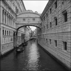 Venice (Koprek) Tags: rolleiflex28f film analog 120 ilfordhp5 venice italy
