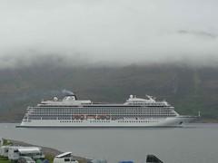 Shipping - Viking Cruises [Viking Sun] 190519 Ullapool 9 (maljoe) Tags: ship shipping ships vikingcruises vikingsun ullapool scotland