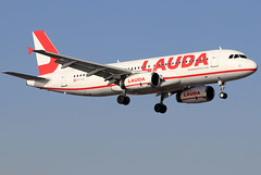 OE-IHD_03 (GH@BHD) Tags: oeihd airbus a320 a320200 a320232 lauda laudamotion arrecifeairport lanzarote ace gcrr arrecife aircraft aviation airliner