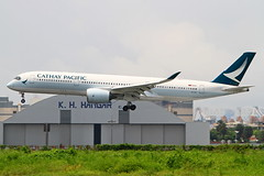 B-LRG Cathay Pacific Airways Airbus A350-941 (阿樺樺) Tags: blrg cathaypacificairways airbus a350941