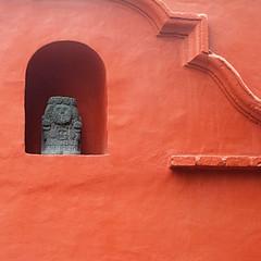 fit for a god (msdonnalee) Tags: photosofsanmigueldeallende méxico stoneidol walldetail wallsofsanmigueldeallende orangewall niche minimalism minimalisme minimalismo