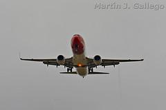 LN-LNU (Martin J. Gallego. Siempre enredando) Tags: martinjgallego airplane planespotting plane lslnu boeing b737 boeing737 boeingfamily norwegian
